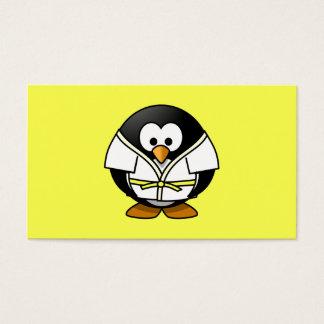 漫画の柔道のペンギンの黄色の背景 名刺