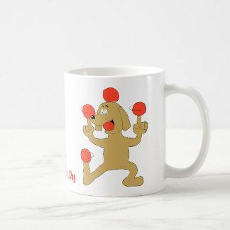 漫画犬のバランスをとる球 コーヒーマグカップ