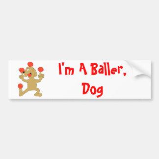 漫画犬のバランスをとる球 バンパーステッカー