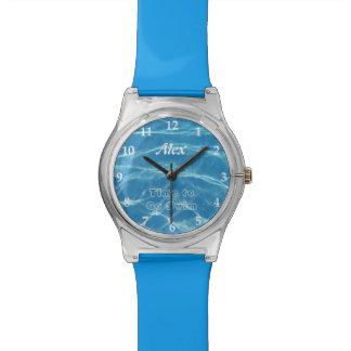 澄んでクールで青い水生プール水水泳 腕時計