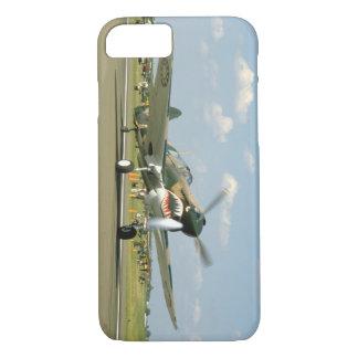 激しい顔、Taxiing_WWIIの飛行機を搭載するP40カーティス iPhone 8/7ケース