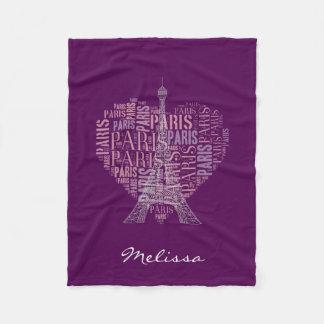 濃紫色のエッフェル塔及び銘刻文字パリ| フリースブランケット