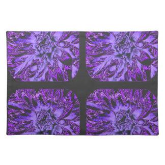 濃紫色のコラージュのダリアの花模様 ランチョンマット