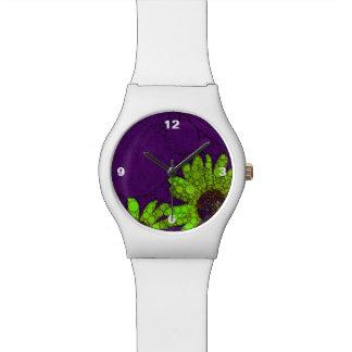 濃紫色の蛍光ヒマワリ 腕時計