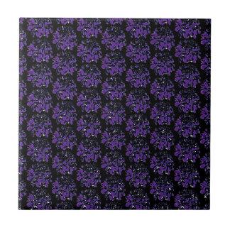 濃紫色の黒いダリアの花模様 タイル