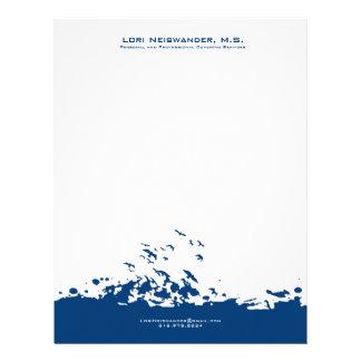 濃紺そして白い飛ぶ鳥のイラストレーション レターヘッド