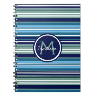 濃紺のティール(緑がかった色)および白い縞模様の名前 ノートブック