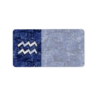 濃紺のデジタル迷彩柄のアクエリアスの(占星術の)十二宮図の記号 ラベル