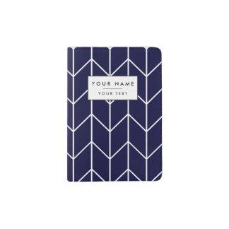 濃紺のモダンな上品の白いシェブロン パスポートカバー