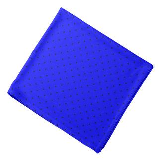 濃紺の点が付いているバンダナのロイヤルブルー バンダナ