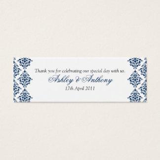 濃紺の白いダマスク織の花の結婚式の好意のラベル スキニー名刺