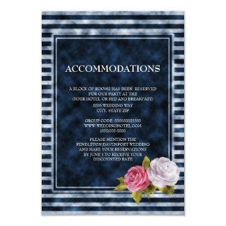 濃紺の白いピンクのヴィンテージの花柄の調節 カード