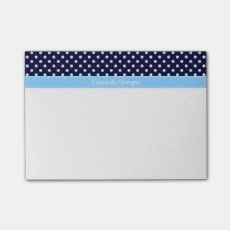 濃紺の白い水玉模様のスカイブルーの名前のモノグラム ポストイット