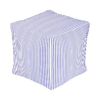 濃紺の白い細い縦縞 プーフ