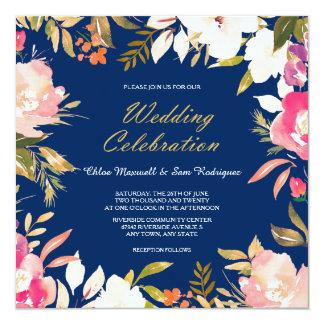 濃紺の結婚式の珊瑚のピンクの花のボーダー 13.3 スクエアインビテーションカード