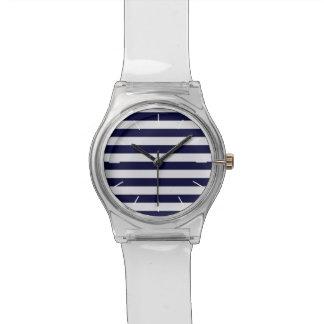 濃紺または白のストライプで航海のな腕時計 腕時計
