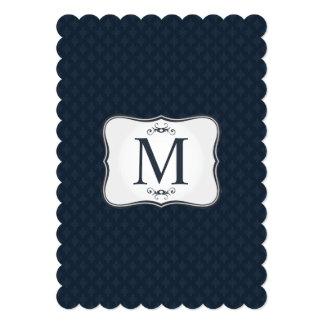 濃紺パターン-上品な人のモノグラム 12.7 X 17.8 インビテーションカード