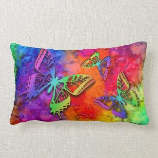 [火および氷]虹のBohoの蝶絞り染め ランバークッション