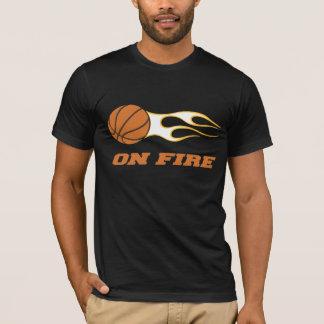 火のバスケットボールのTシャツ Tシャツ