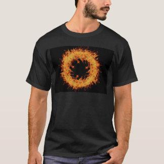 火のリースのデザイン Tシャツ