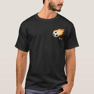 火のワイシャツのサッカー Tシャツ