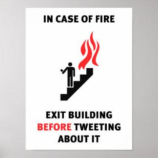 火の場合には、さえずる前に建物を…出て下さい ポスター