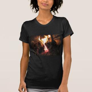 火の炎が付いている非常に熱い暖炉 Tシャツ