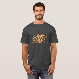 火の細い棒-人の木炭Tシャツ Tシャツ