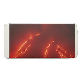 火山景色を噴火する夜 消しゴム
