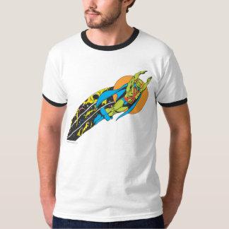 火星のManhunterは飛行を取ります Tシャツ
