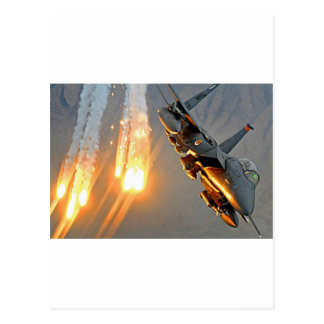 火炎信号を解放するジェット戦闘機 ポストカード