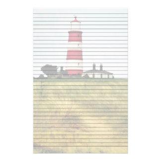 灯台によって並べられる文房具への道 便箋