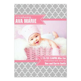 灰色およびピンククローバーの誕生の発表 カード