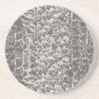 灰色および白いスネークスキン コースター