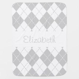 灰色および白くアーガイル柄のなベビーの名前毛布 ベビー ブランケット
