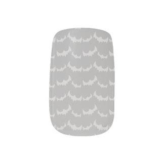 灰色のこうもりパターン ネイルアート