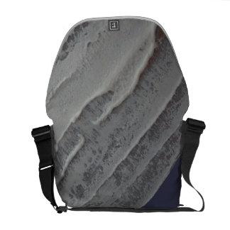 灰色のアイシングのメッセンジャーバッグ メッセンジャーバッグ