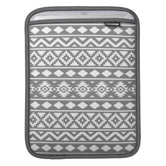 灰色のアステカな本質パターンIII白 iPadスリーブ