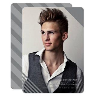 灰色のストライプのな2017年の写真の卒業の発表 12.7 X 17.8 インビテーションカード