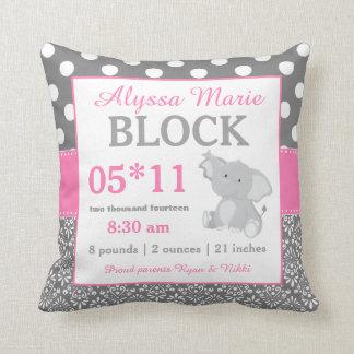 灰色のピンク象の赤ん坊の発表の枕 クッション