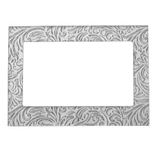 灰色のモノクロヴィンテージの花のScrollworkのグラフィック マグネットフレーム