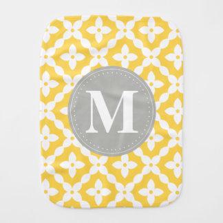 灰色のモノグラムの黄色花パターン枕 バープクロス