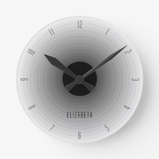 灰色の名前をカスタムするのモノグラムの暗くモダンな陰 ラウンド壁時計