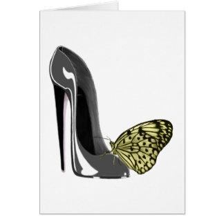灰色の小剣の靴および黄色い蝶ギフト カード