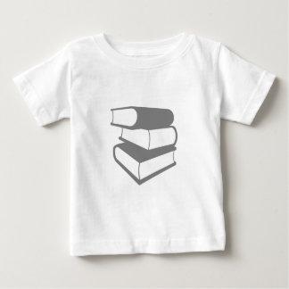 灰色の本の積み重ね ベビーTシャツ