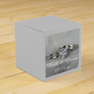 灰色の結婚指輪 フェイバーボックス