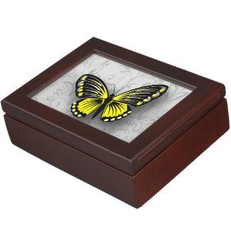 灰色の花柄のお洒落で黄色い蝶 ジュエリーボックス