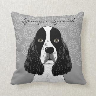 灰色の英国のスプリンガースパニエル犬をカスタマイズ クッション
