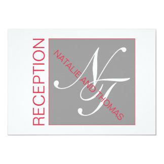 灰色の赤く白いイニシャルのシンプルな結婚披露宴 12.7 X 17.8 インビテーションカード