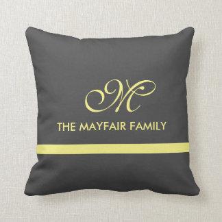 灰色の黄色いリボン家族のモノグラムの枕デザイン クッション